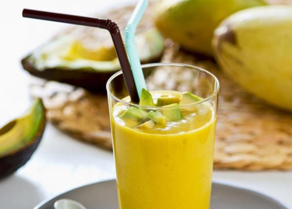 Летен диетичен шейк с авокадо и манго