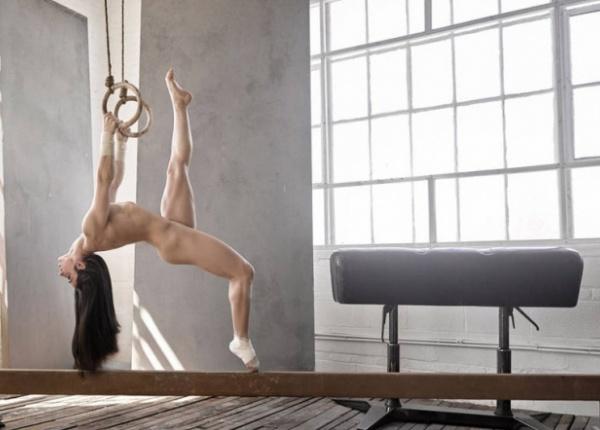 Световни спортисти в специална гола фотосесия