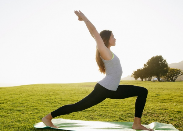 Как Йога ви превръща в Супер човек или просто помага да приемате живота по-лесно