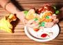 Опаковката на бързите храни, може да е също толкова вредна, колкото и самата храна
