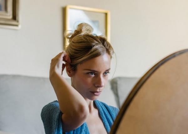 8 начина, по които вредите на косата си
