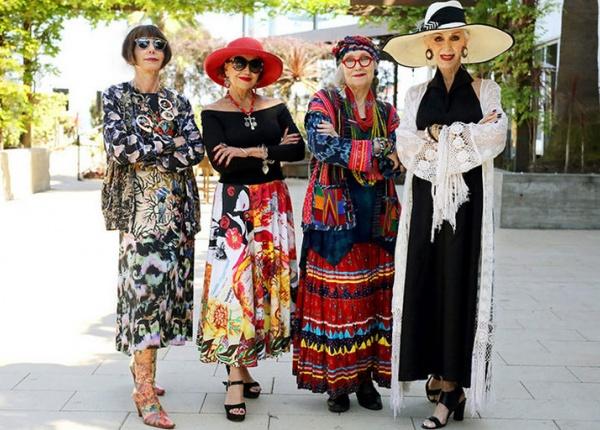26 Стилни възрастни хора, които отказват да носят дрехи за пенсионери