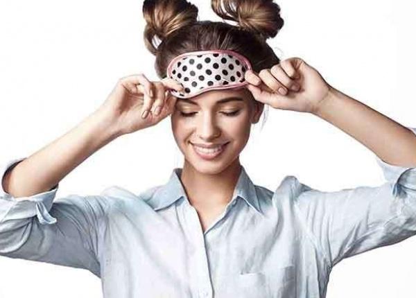 Защо пълноценният сън е изключително важен за здравето на кожата?