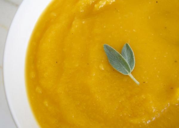 Тази хранителна супа от тиква е перфектна за есента и зимата