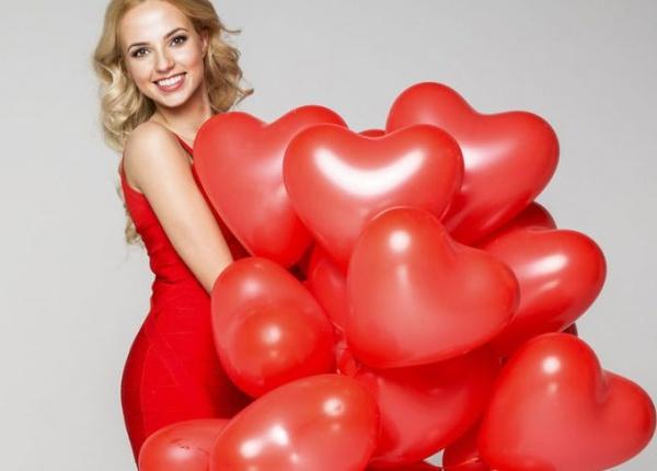 12 Зашеметяващи вечерни рокли за деня на Свети Валентин