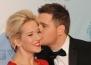 Майкъл Бубле съобщава по най-сладкия начин, че съпругата му отново е бременна
