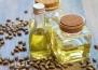 Защо рициновото масло е толкова полезно за косата?