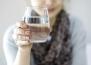 Защо е полезно да пием вода на празен стомах?