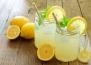 Лимонада с хималайска сол: спира мигрената бързо
