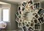 Зарадвайте очите си с тази уникална библиотека, направена от семейство за техните деца