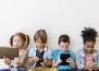 Светлината от екраните и добавки с мелатонин водят до безсъние при децата