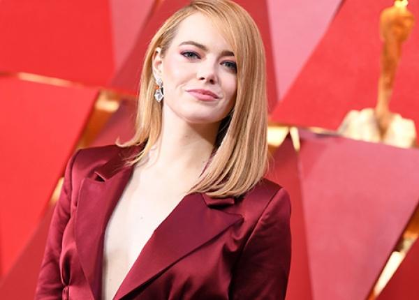 """Ема Стоун се появи в панталон на """"Червения килим"""" на """"Оскарите"""""""