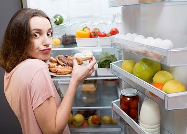Какви храни да избягваме късно вечер?