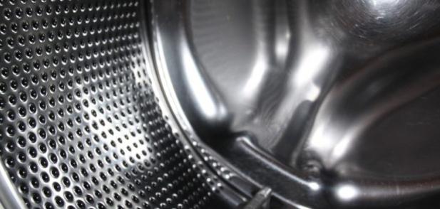Премахнете опасния мухъл от пералната машина с тези 2 съставки!