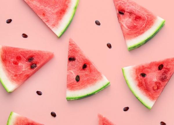 16 вкусни нискокалорични закуски, които помагат за отслабване
