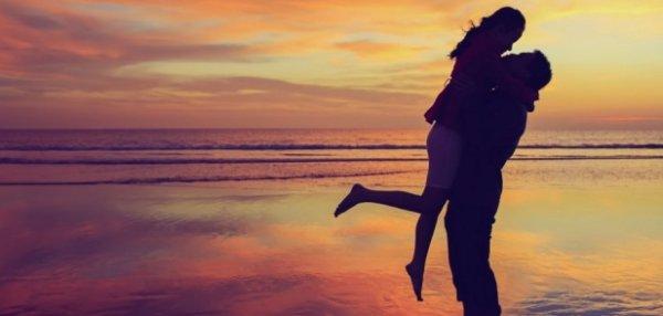 8 типа поведение на хора, които са наистина влюбени!