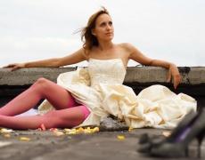 Една сватбена рокля и размислите, с които върви