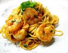 Рецепта за спагети със скариди и портокали