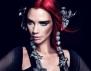 Огнена коса и екстравагантен грим – новата Виктория Бекъм