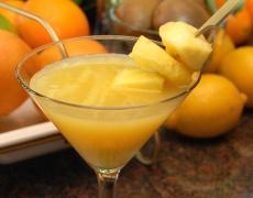 Леден коктейл с манго, мента и ром