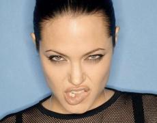 Анджелина разваля сватбата? Бясна е на свекървата