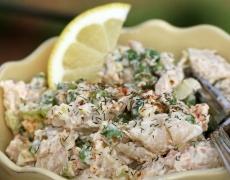 Лимонена салата с паста и риба тон