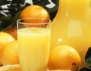 Чаша портокалов сок за красива коса и кожа