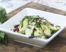 Рецепта за салата с авокадо и ябълки