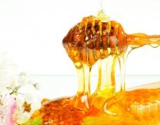 Страхотна скраб с орехи и мед