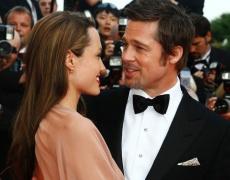 Анджелина и Брад още се чудят за сватбата