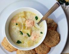 Рецепта за зимна супа със сьомга, праз и сметана