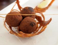 Романтичен десерт: Шоколадови трюфели с ром
