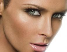 Жената според цвета на очите й: Сиви