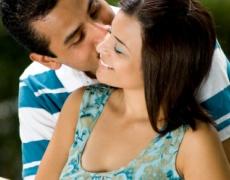 Какво означава целувката по бузата?