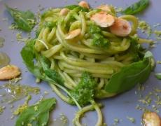 Лесни спагети с рукола, зехтин и Пармезан