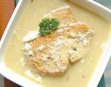 Английска лучена супа с Чедър и градински чай