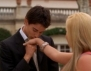 Какво означава целувката по ръката?