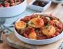 Варени яйца с лук и домати