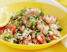 Салата с ориз и риба тон